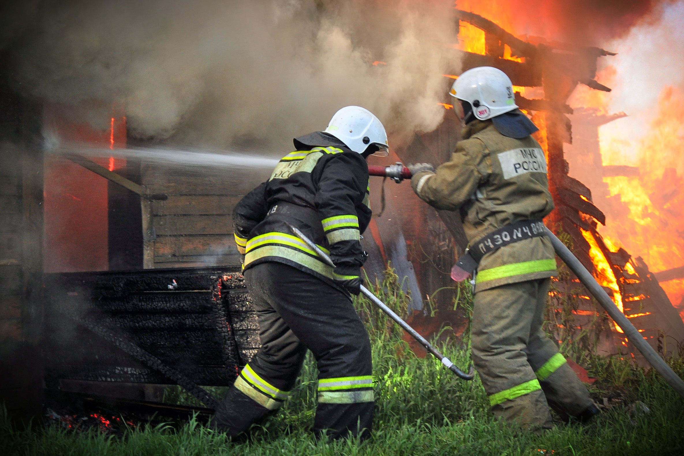 пожарники тушат пожар картинки умка было