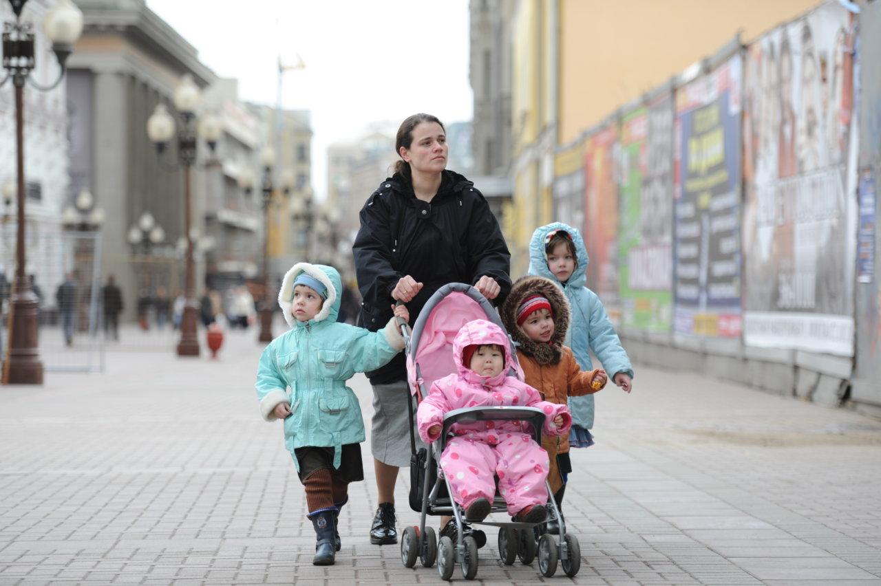 В России вступили в силу новые правила отпуска для многодетных родителей
