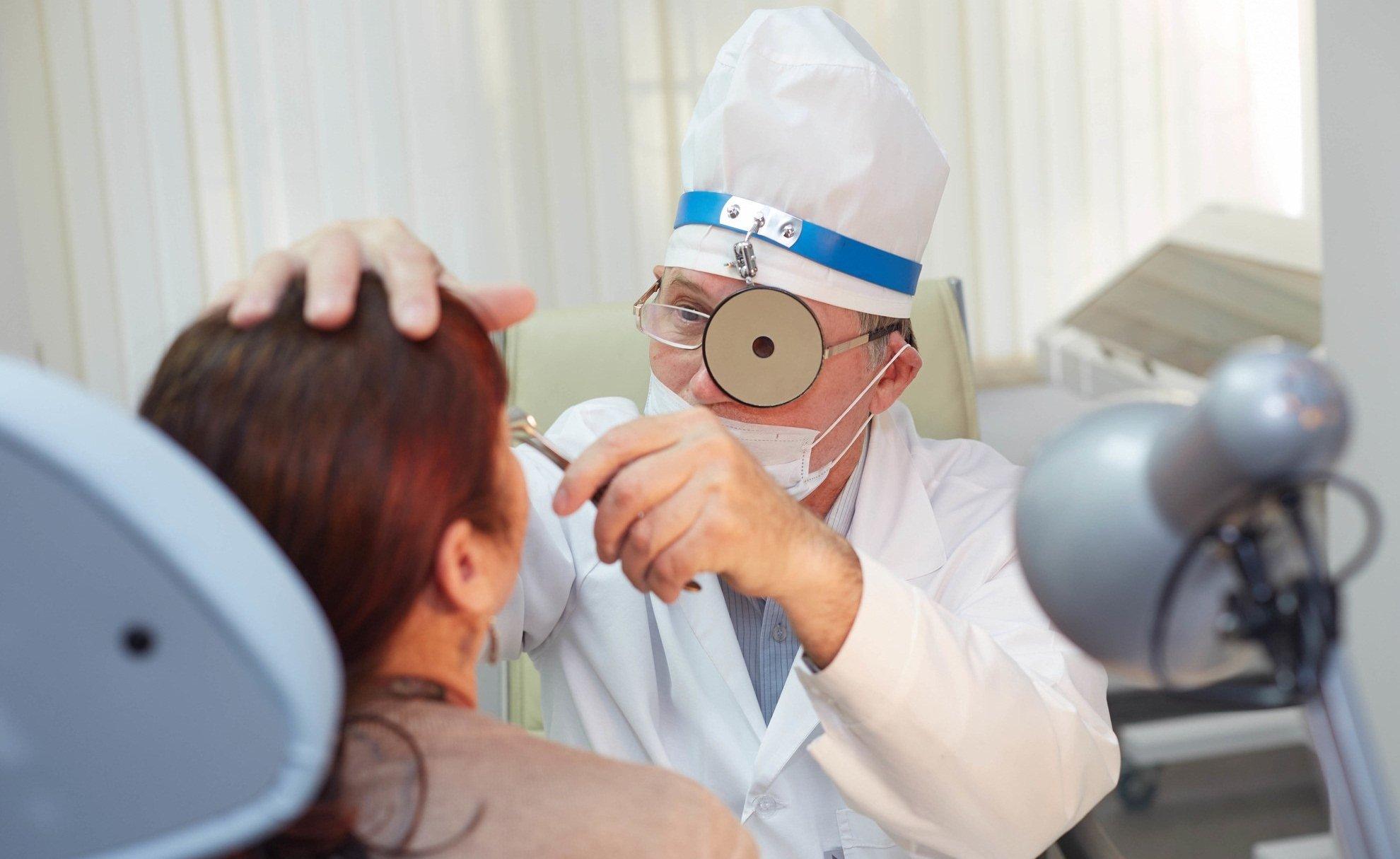 Оториноларинголог рассказал, чем опасен COVID-19 для ЛОР-больных