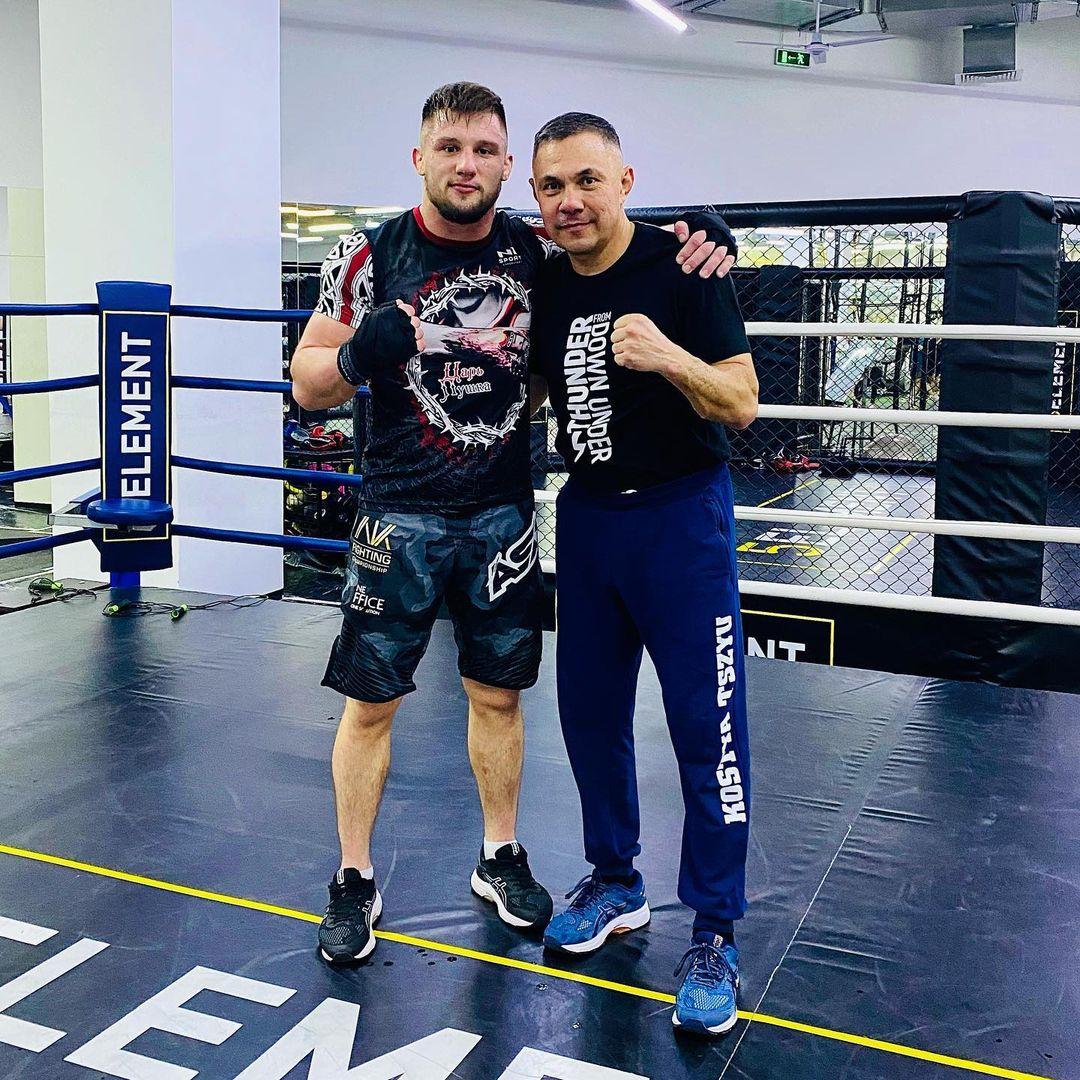 Бокс с живой легендой: азовский боец встретился с Костей Цзю