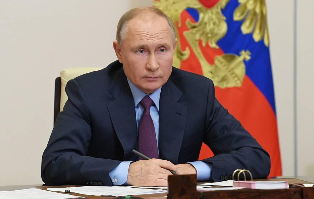 Путин подписал закон о наказании за оскорбление ветеранов