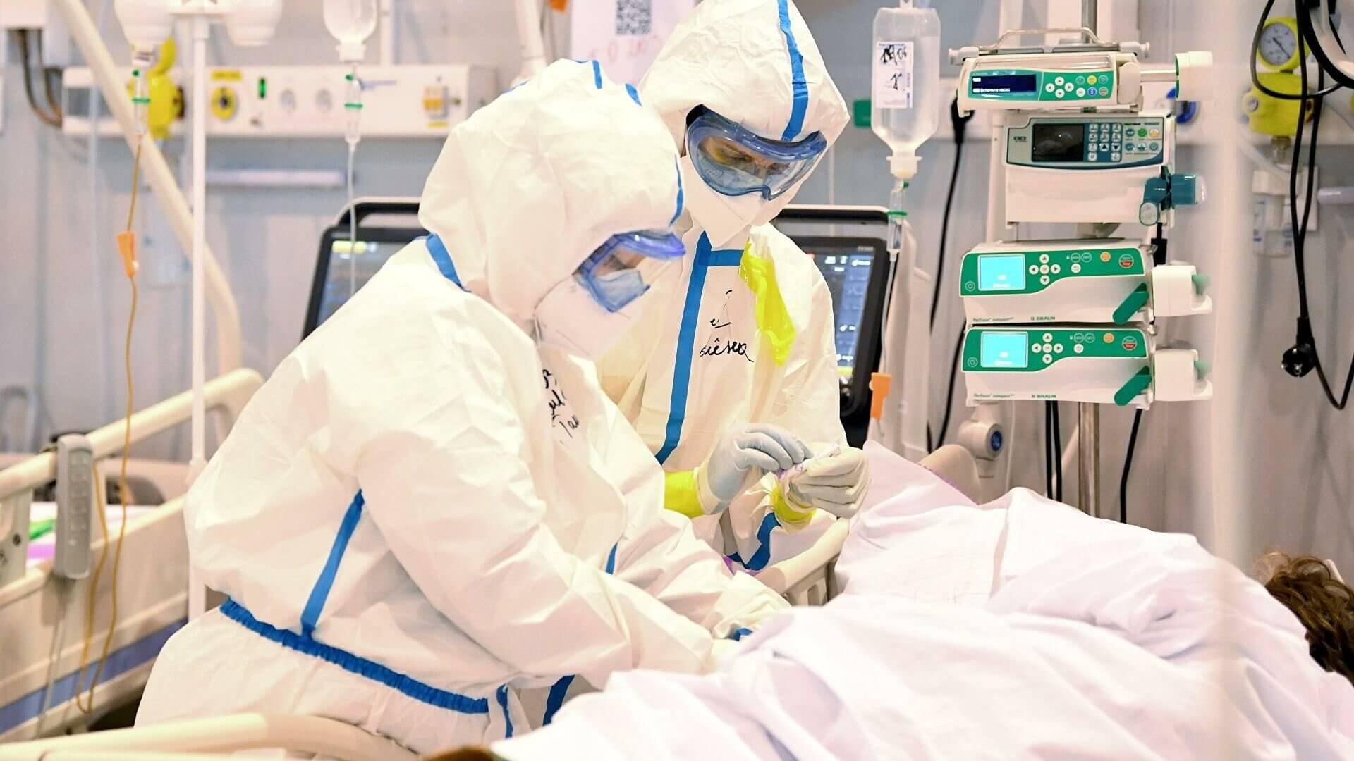 Эксперты назвали уязвимые перед дельта-штаммом вируса категории людей
