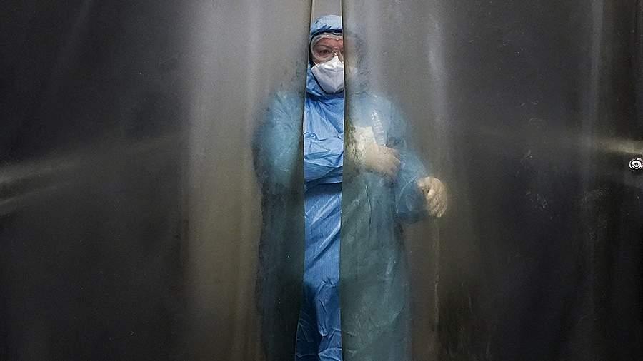 Вирусолог оценил степень опасности обнаруженных в России штаммов COVID-19