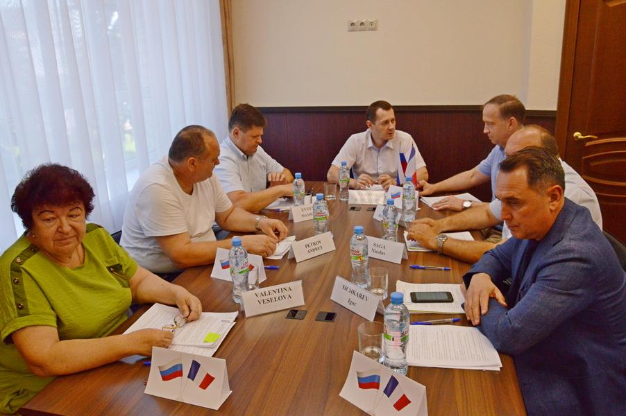 Диалог Азов-Курбевуа