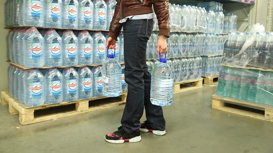 Врач назвал способ выбрать качественную питьевую воду