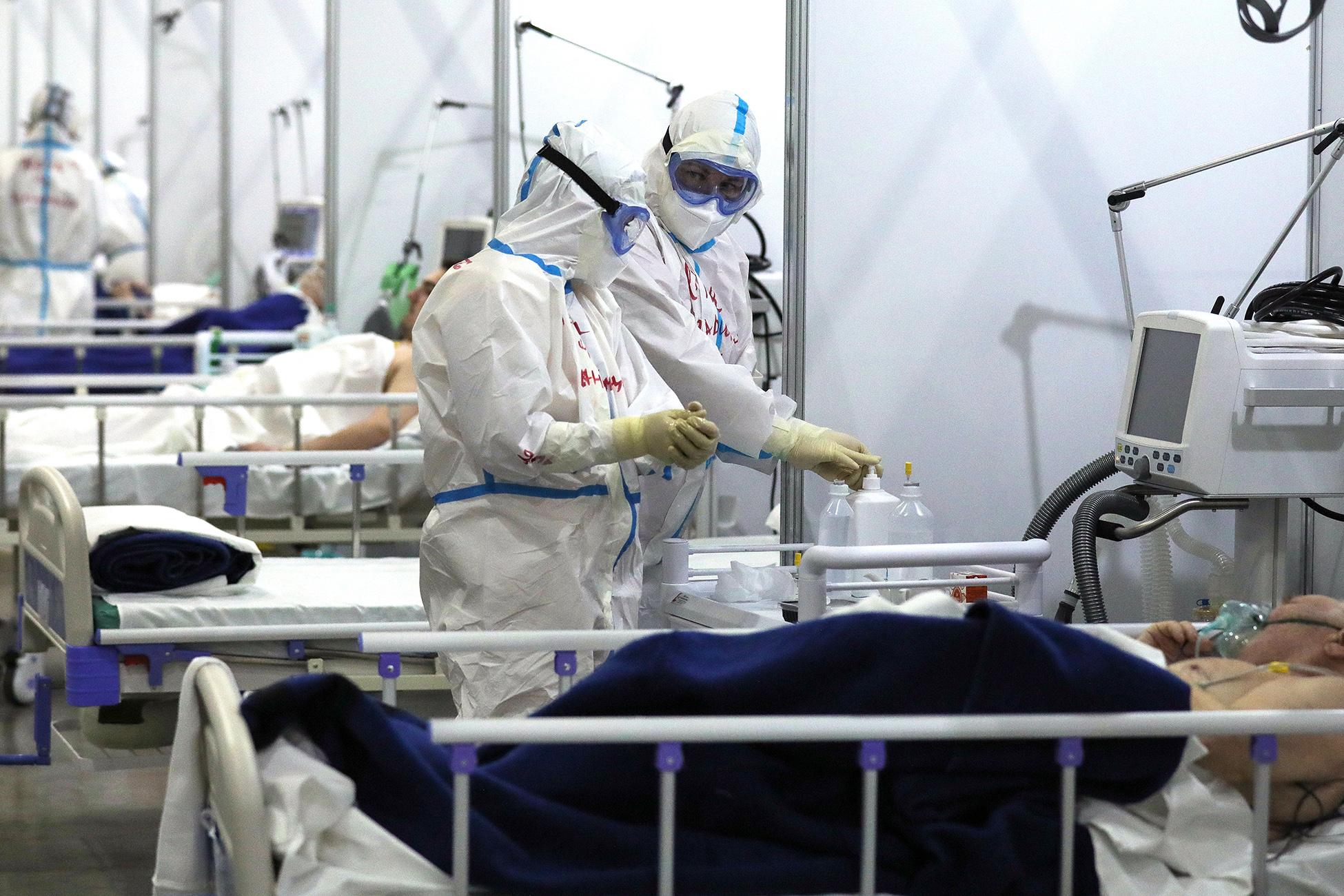 В России третий раз за месяц выявили рекордное число умерших от коронавируса