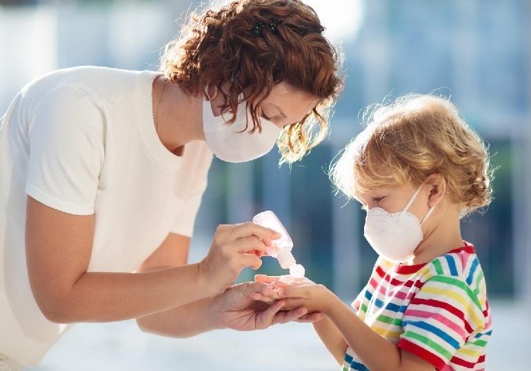 Ученые отметили опасность дальнейшего течения коронавируса для детей