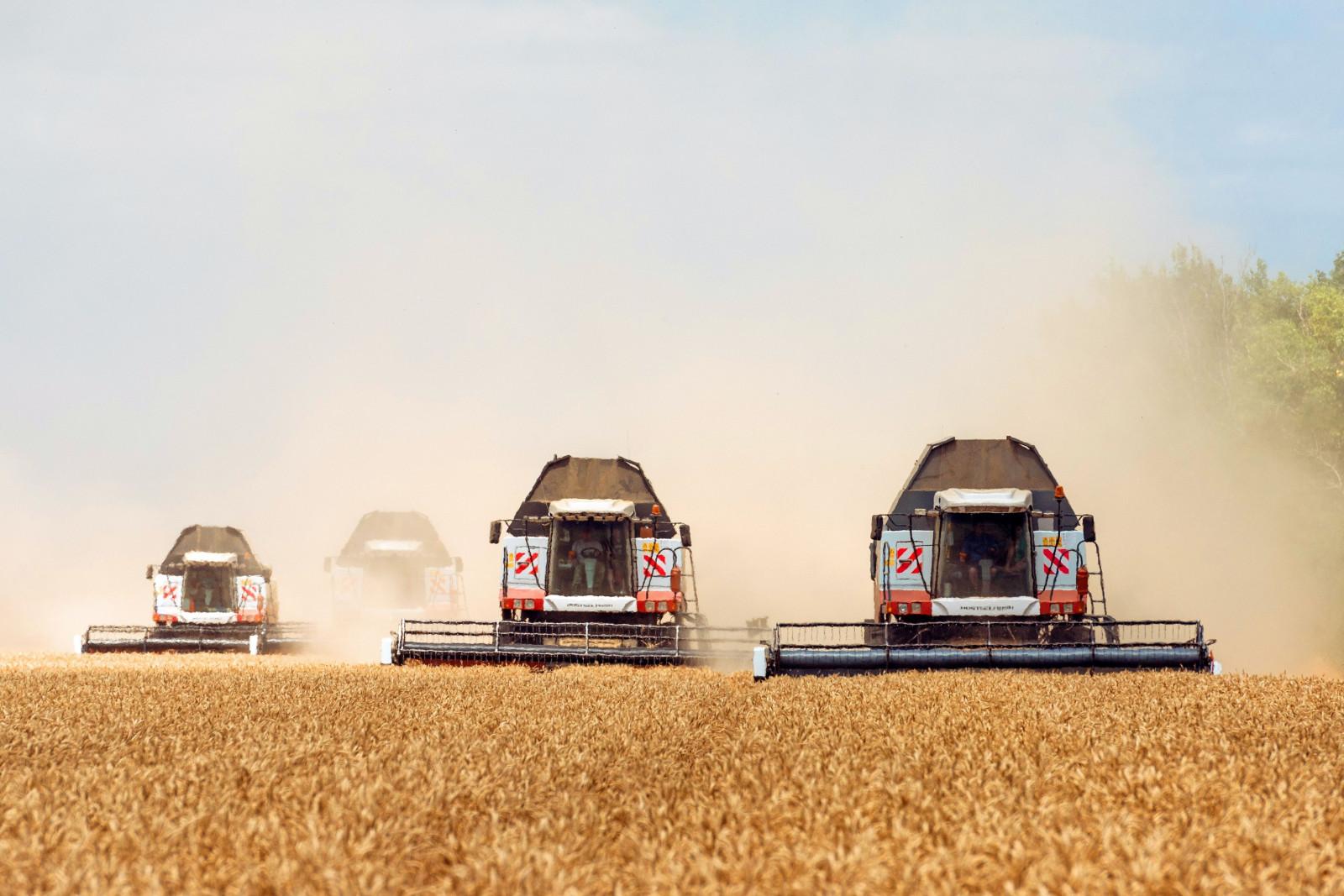 Донские аграрии закупили более 2,6 тысячи единиц сельхозтехники