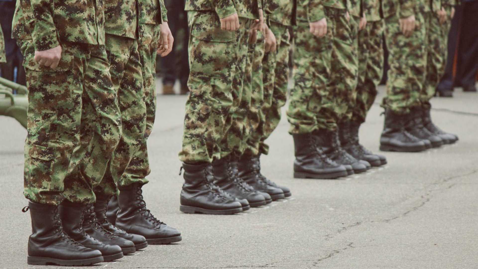 В Госдуму внесли законопроект о включении службы в армии в трудовой стаж