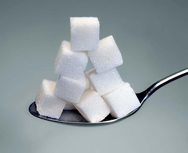 Врач назвала рекомендуемую норму сахара в день