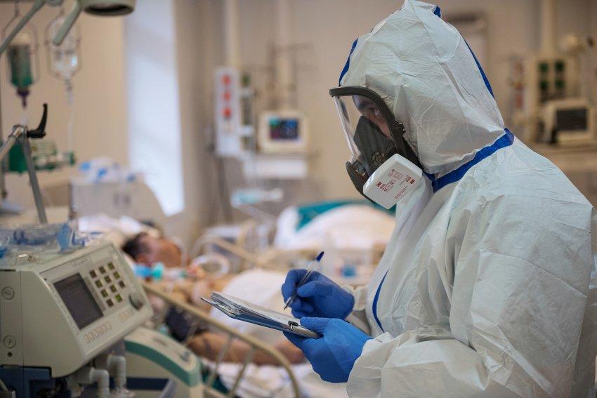 Врач объяснил отличие коронавируса и простуды
