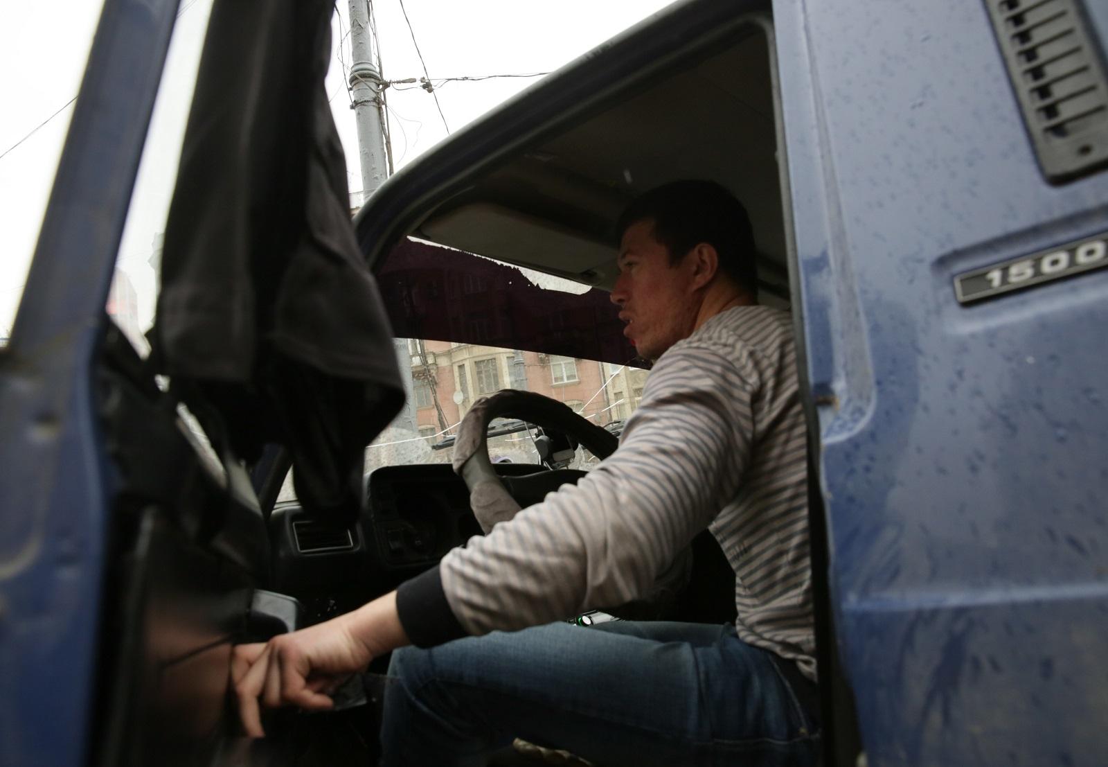 В России ужесточили наказание за шторки и каркасные сетки в автомобилях