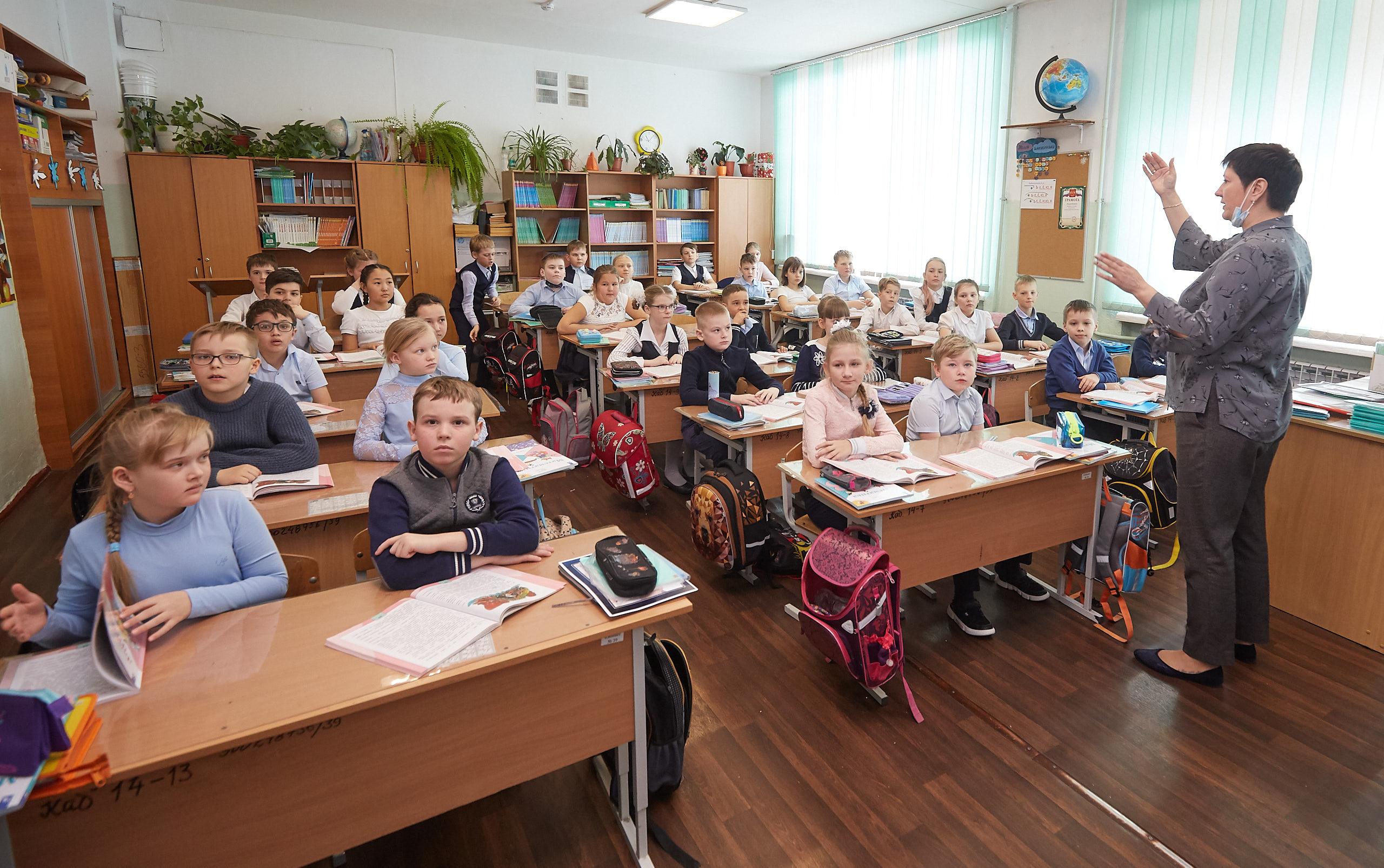 В Ростовской области на 50% увеличат оклады работникам образования