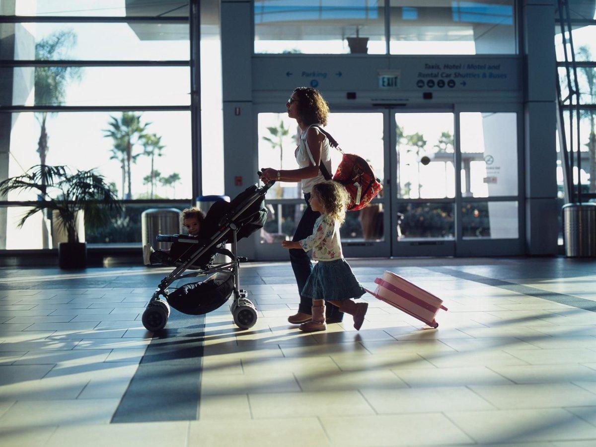 МВД анонсировало изменения в порядке выезда несовершеннолетних за границу