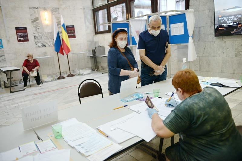 Элла Памфилова сообщила о вбросах бюллетеней в 6 регионах страны. Ростовская область не вошла в их число