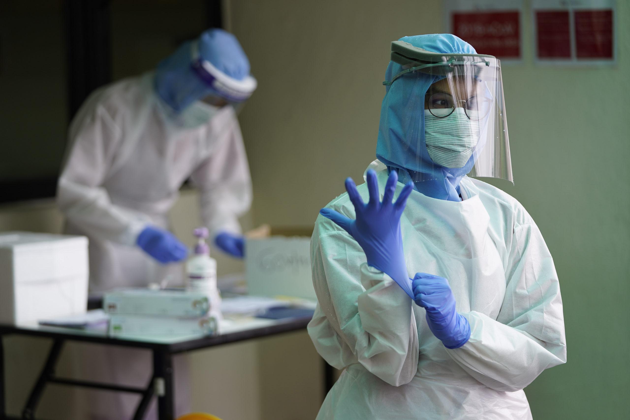 В России предложили увеличить отпуск работающим с коронавирусом медработникам