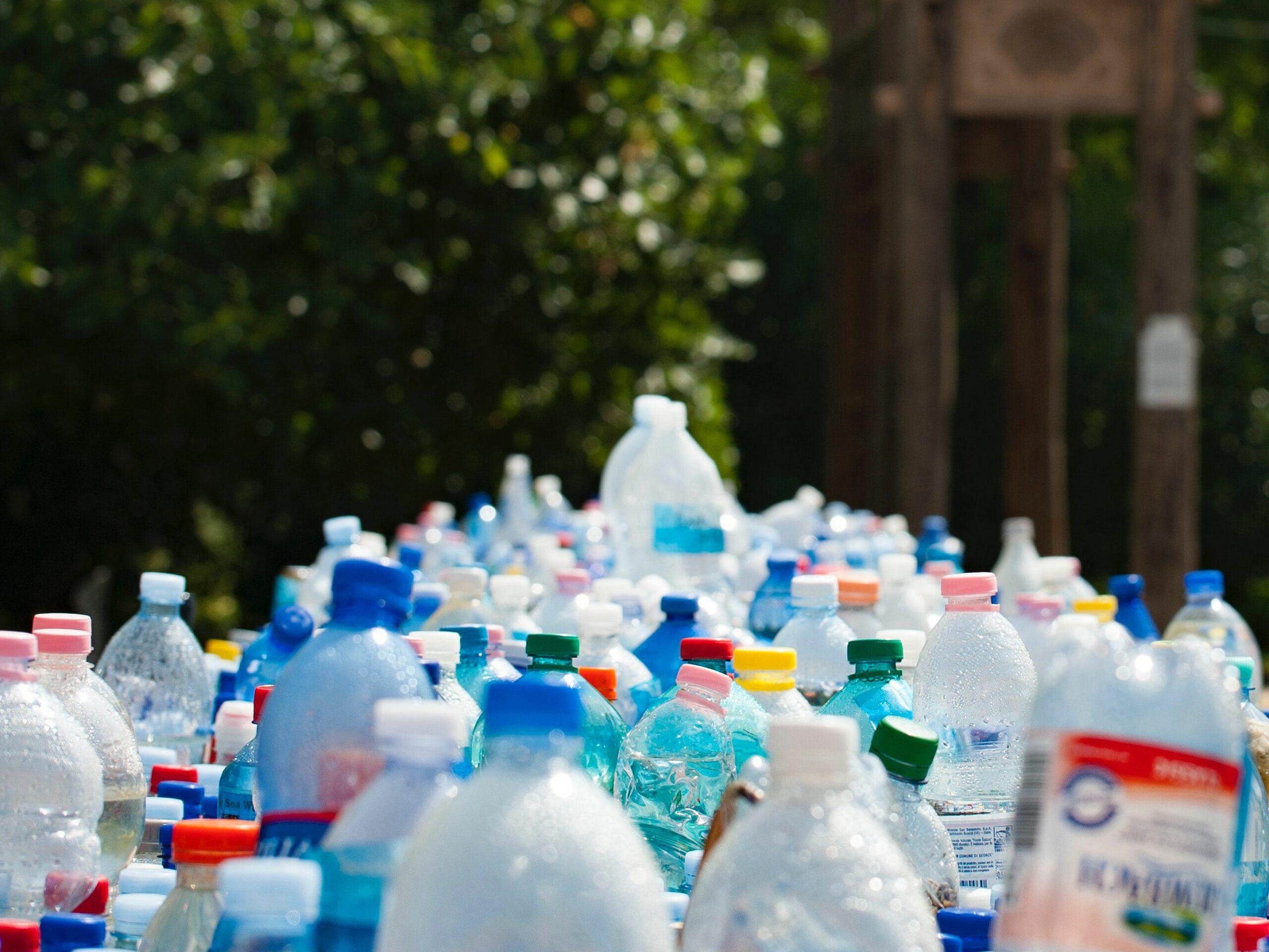 В России могут запретить производство одноразовых товаров из пластика в 2024 году