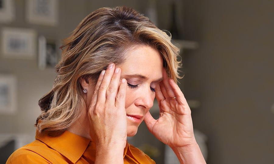 Врачи заявили, что острая пища помогает справиться с головной болью