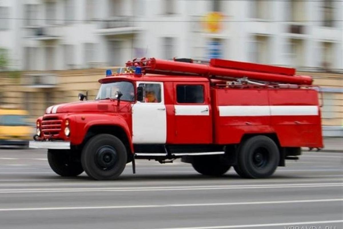 На Центральном рынке Азова горел торговый павильон
