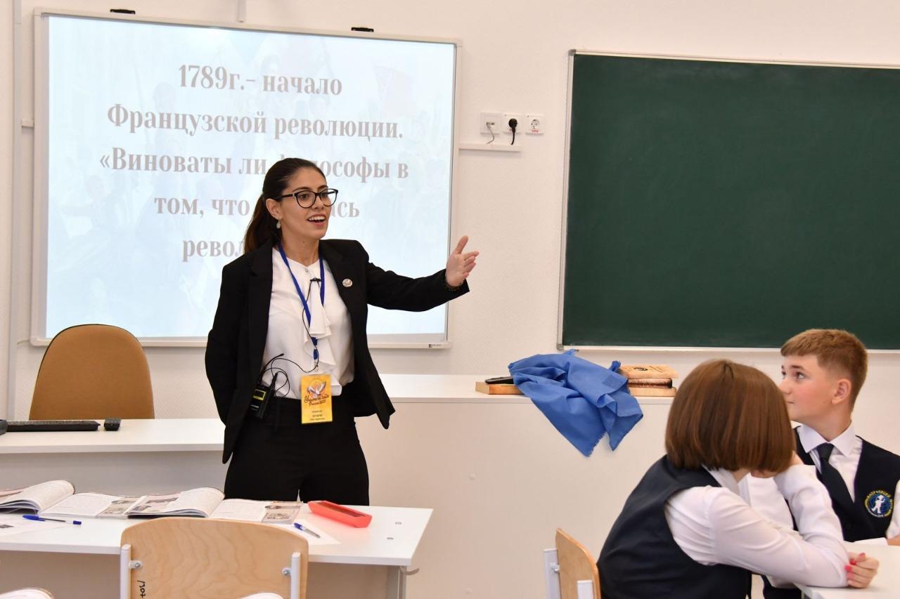 Донская преподаватель Элен Кочарян стала лауреатом общероссийского конкурса «Учитель года»
